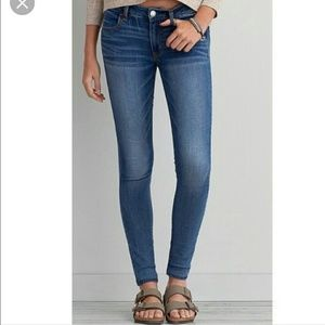 AEO size 6 Long super stretch jegging skinny jeans